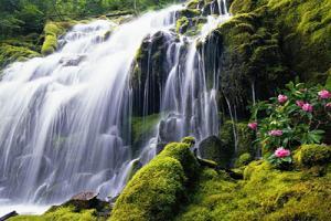 10 hình nền thác nước tuyệt đẹp cho máy tính không nên bỏ qua