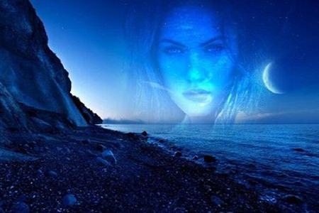 Khung ảnh đêm trên trên biển đẹp