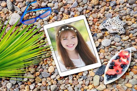 Chia sẻ mockup ipad bãi biển khá ấn tượng
